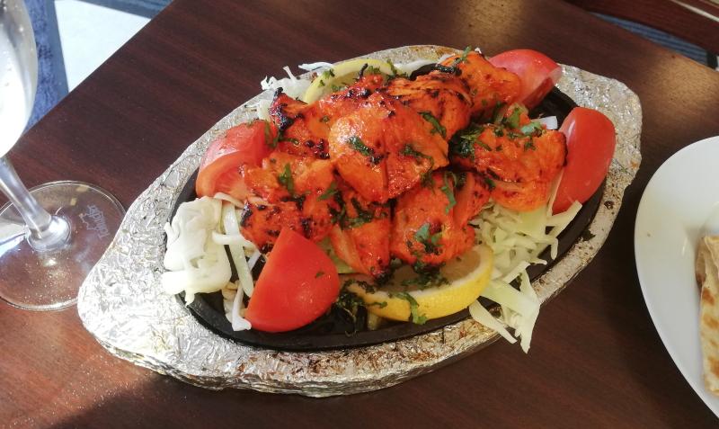 Das indische Lokal Raja Rani übezeugt mit Curry und Tandoori Spezialitäten.