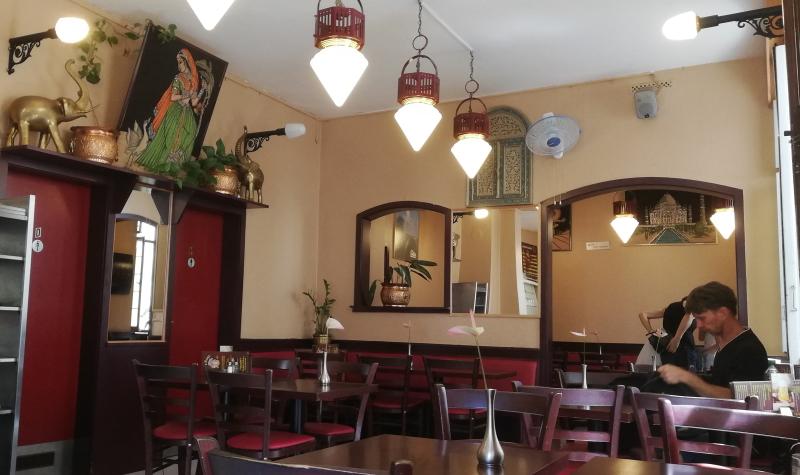 Indische Leckereien und authentisches Interior erwarten einen im Raja Rani in Heidelberg.
