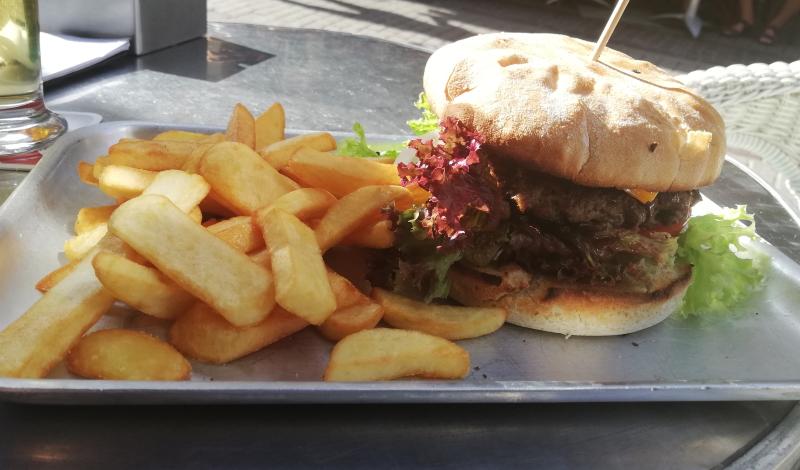 Ben's Cheese Burger: Ein Klassiker der überzeugt!