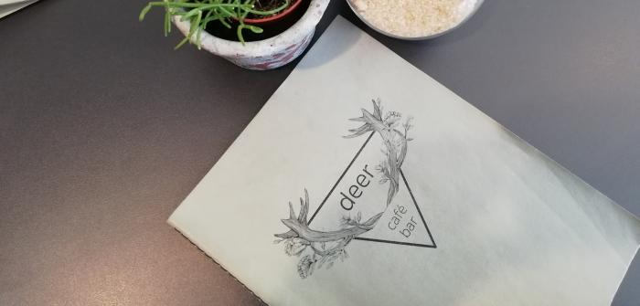 Café & Bar deer: Treffpunkt am Rande der Altstadt